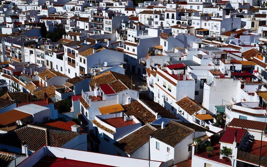 White Spanish houses